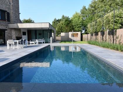 Totaalproject met aanleg van hoogwaterstand zwembad