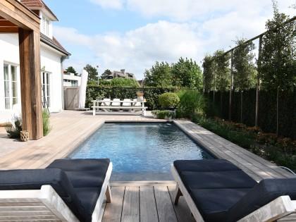 Totaalproject met  Exclusive Line hoogwaterstand zwembad.